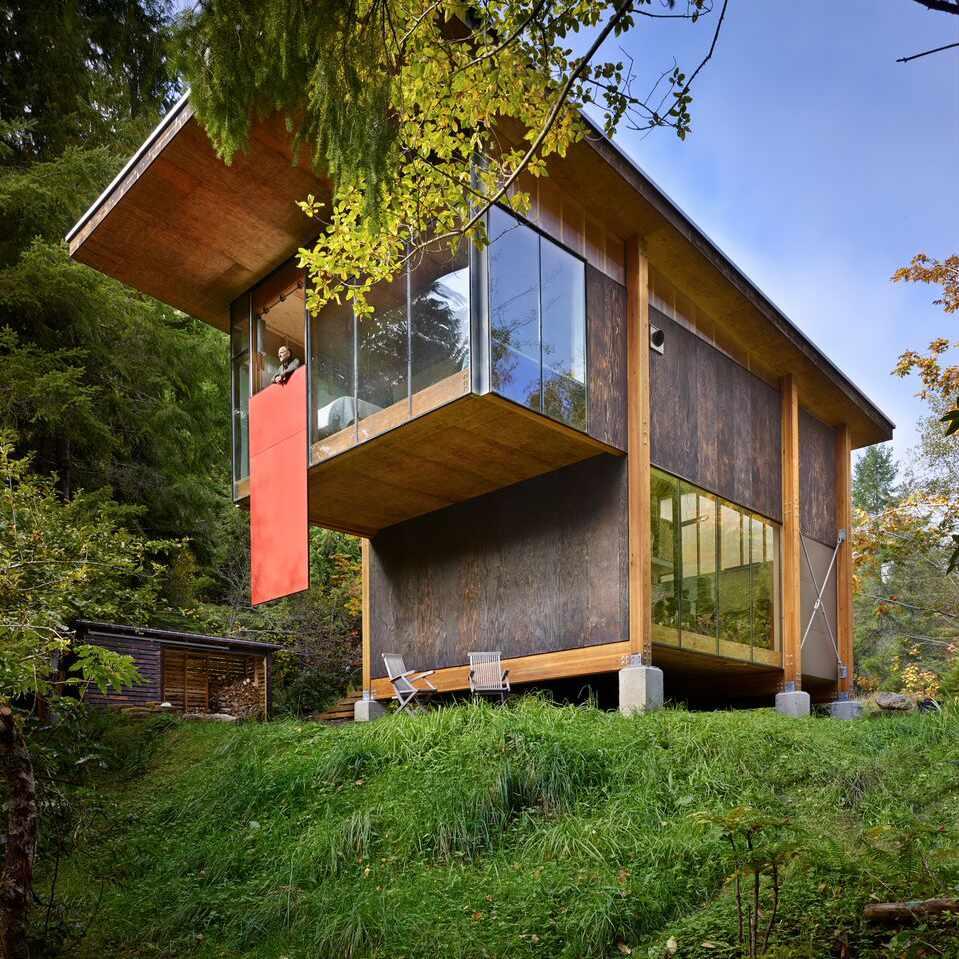 Exterior of Scavanger Studio, Grapeview, Washington