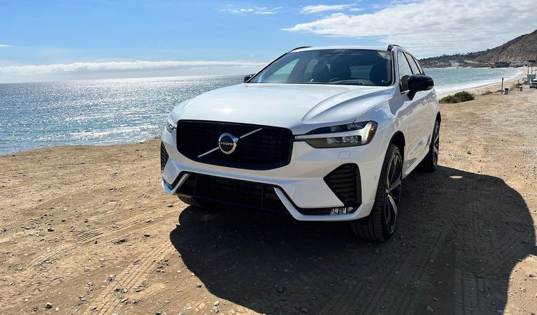 Volvo has announced that the 2022 XC60 and V90 Cross Country models will now come standard with a mild hybrid powertrain