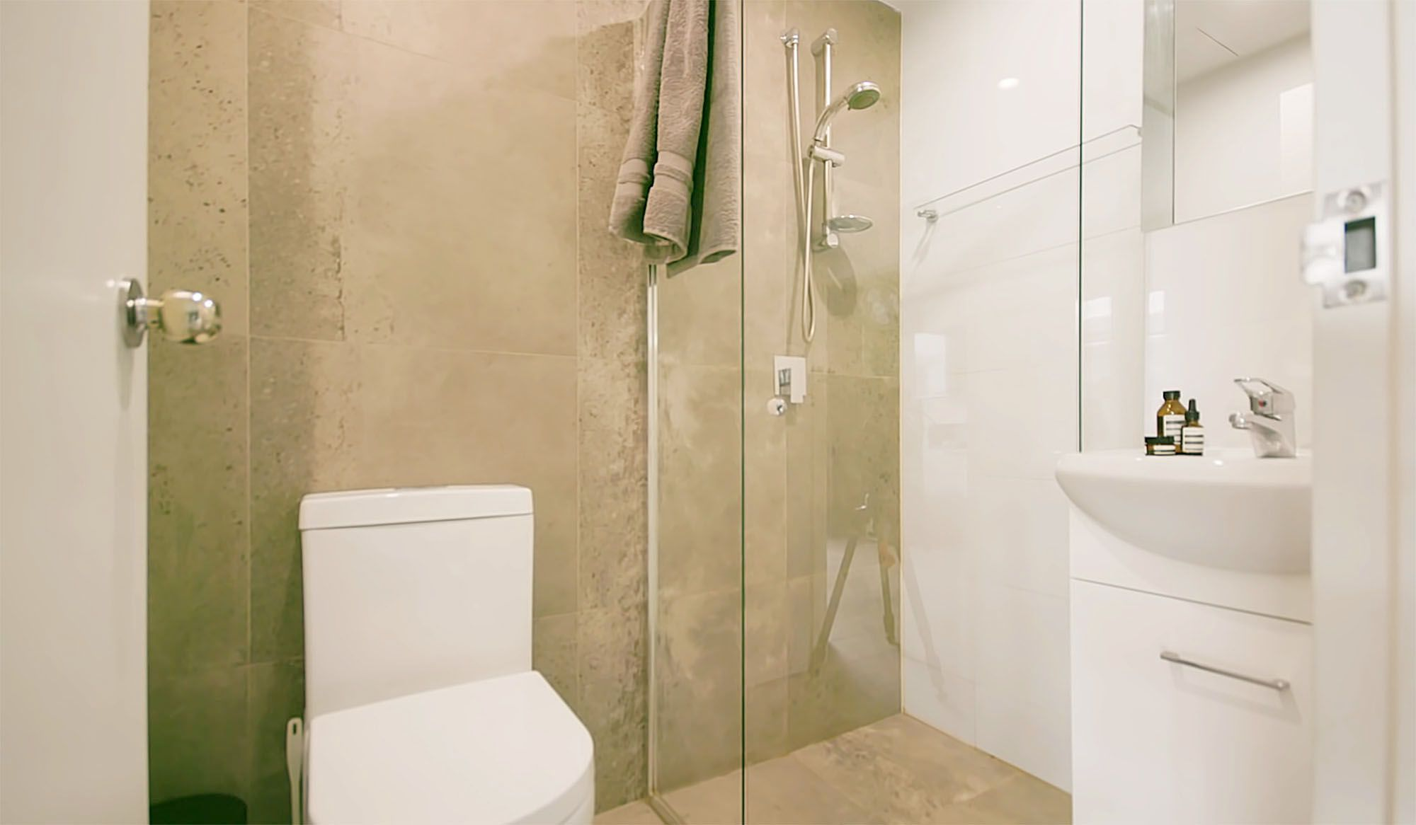 UKO stanmore coliving micro-apartment Mostaghim Associates bathroom