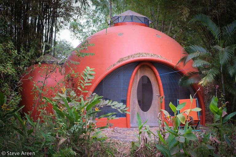 AirCrete dome home by Steve Areen