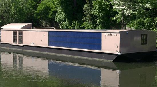Bauhaus-solar-barge photo