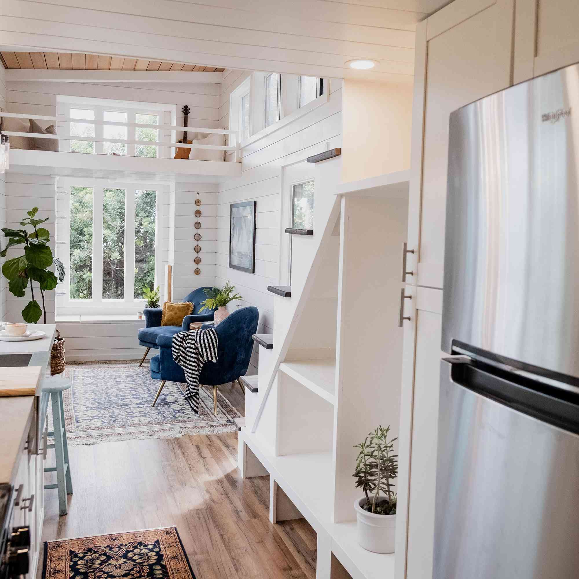 tiny house hawaii Taylor and Michaella McClendon stair storage