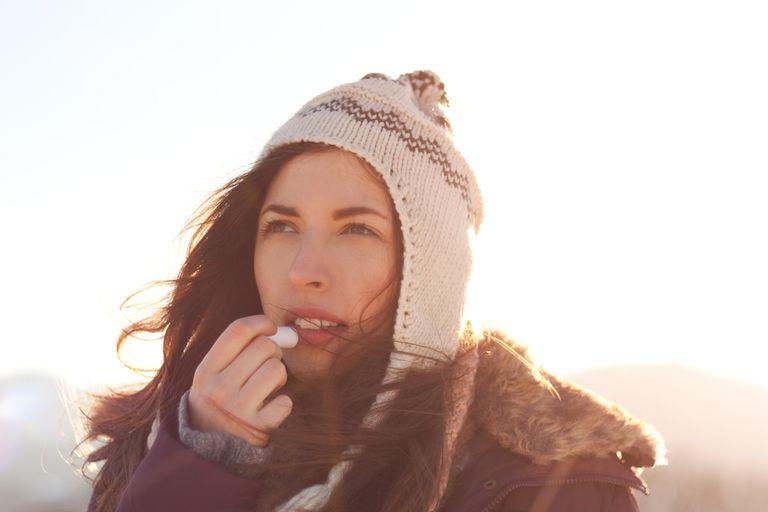 Por qué tus labios están agrietados y cómo solucionarlo