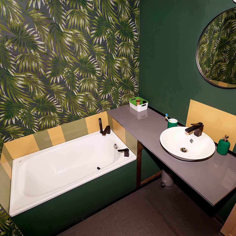 Projekt Datscha modern tiny house bathroom
