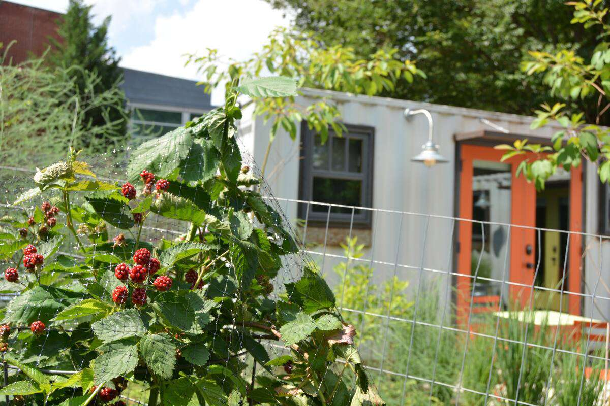 Eco-Friendly Modern Shipping Container