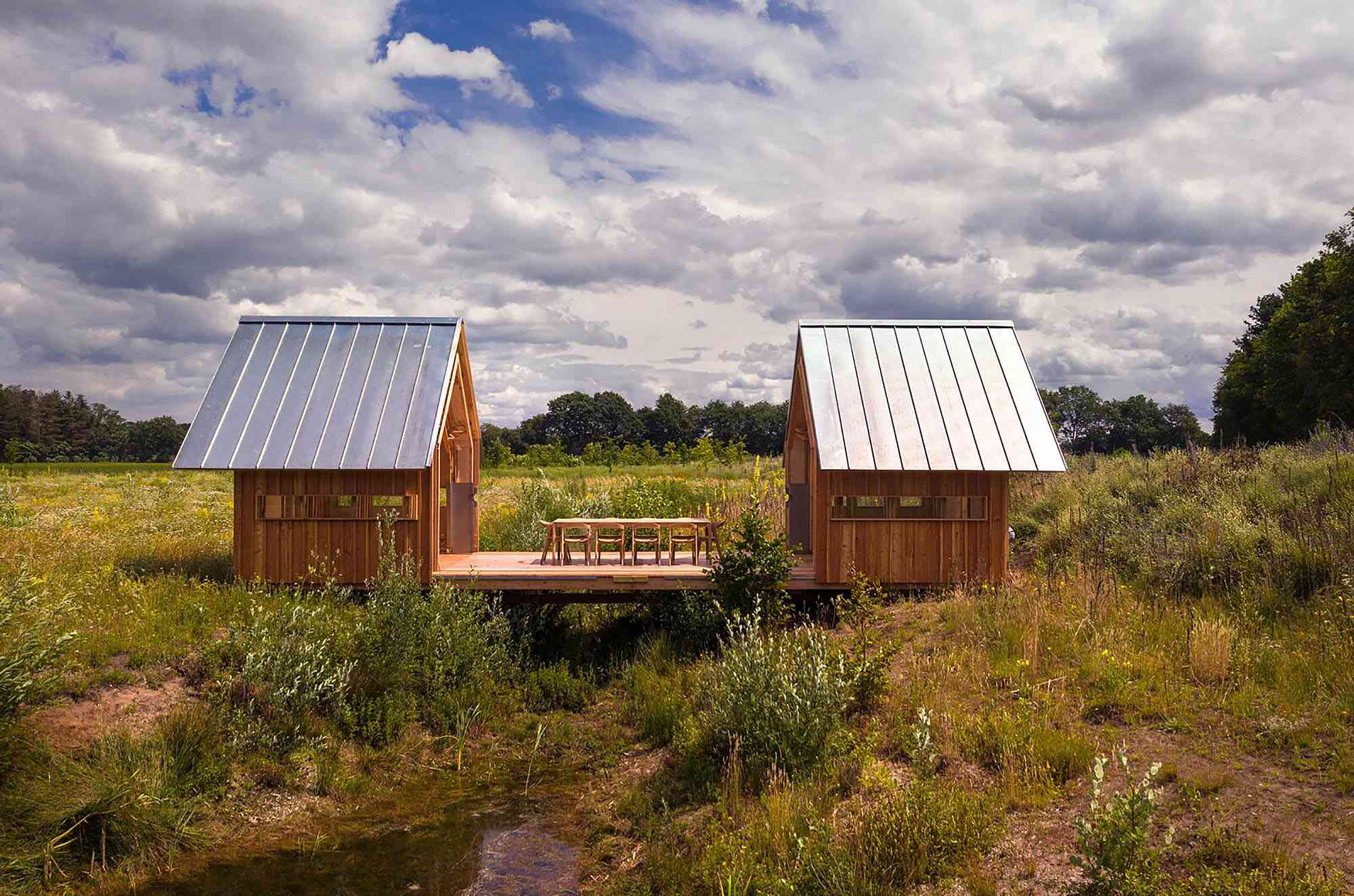 Cabin ANNA by Caspar Schols open in middle