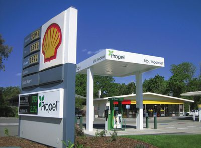 A Propel Fuels and Shell Gass Station.