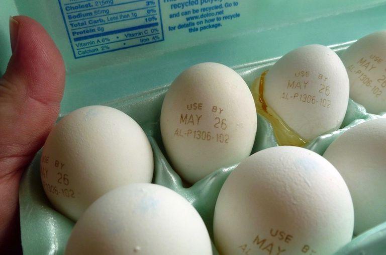 Un truco inteligente para determinar la frescura de un huevo