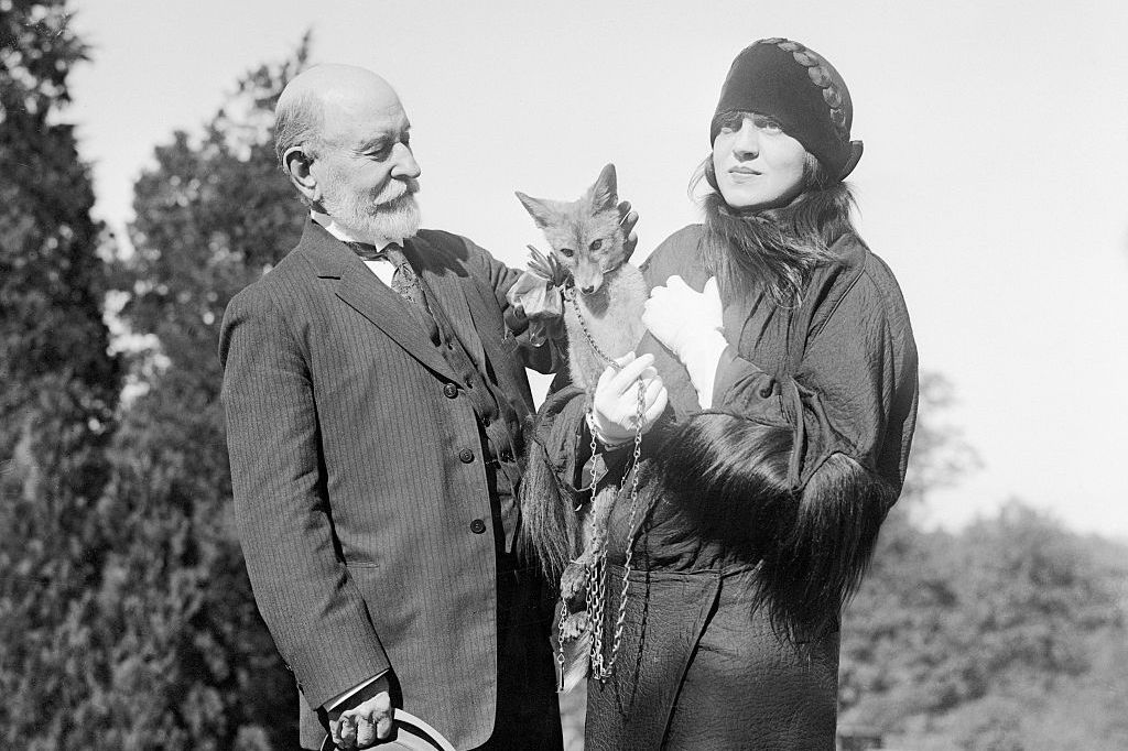 Rosa Ponselle presenting a silver fox to William Hornaday