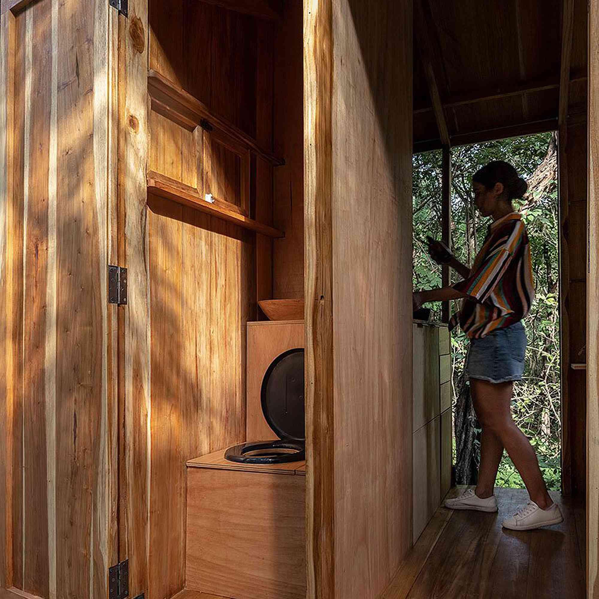 La Casa Nueva mobile diy camper JAG Studio toilet