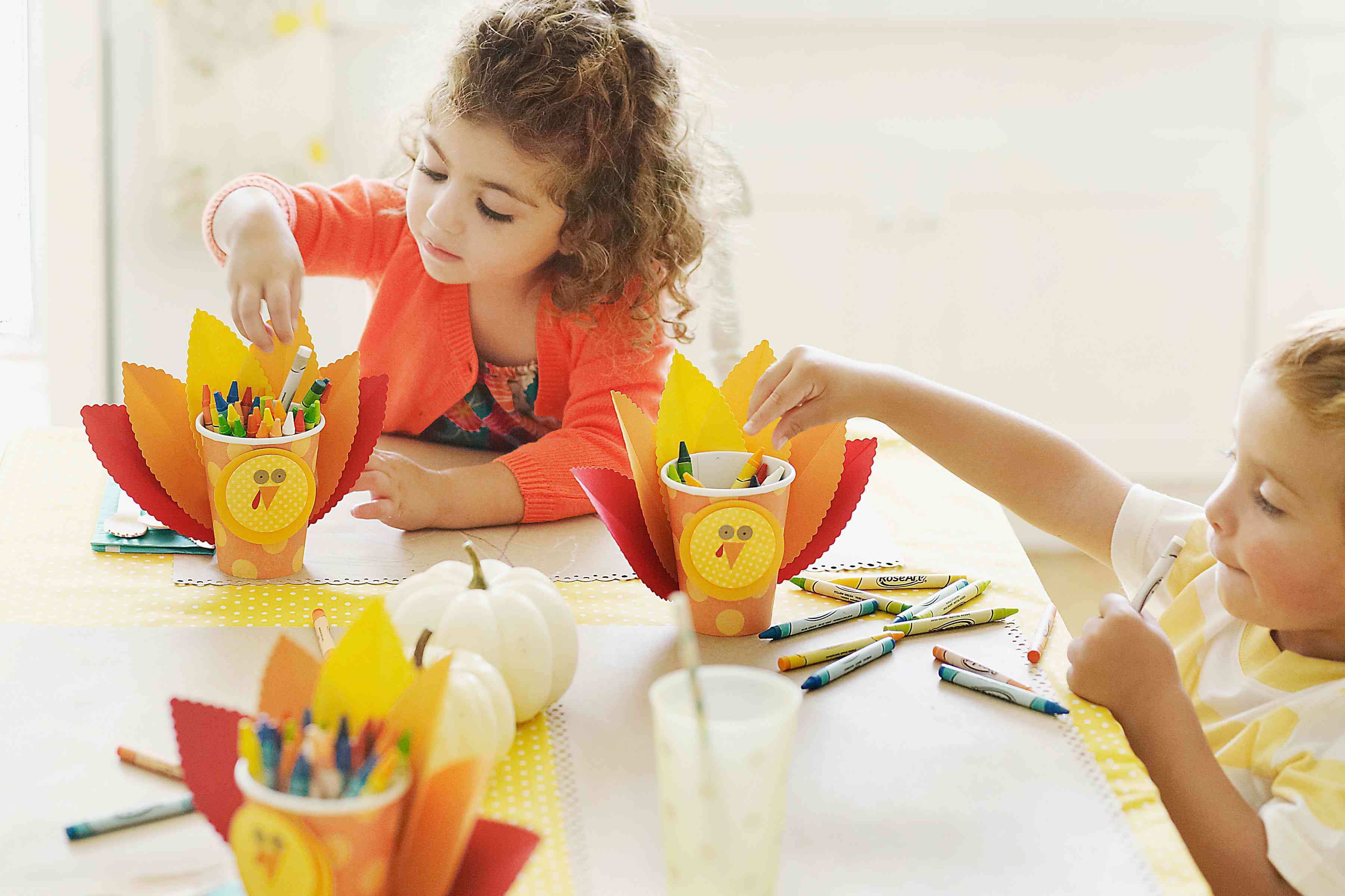 Kids coloring crafts for Thanksgiving